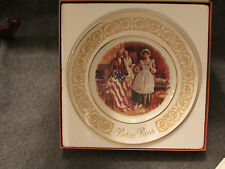 Betsy Ross 1973 Avon Collectors Wedgewood 8.5 Plate with box