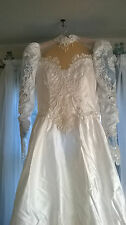 VINTAGE 80s WEDDING GOWN WITH VEIL, PETTICOAT! AND BRIDAL PURSE (PERSERVED)