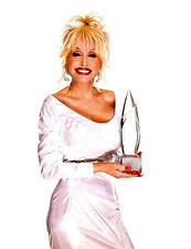 Dolly Parton UNSIGNED photo - 3111 - GORGEOUS!!!!!