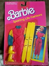 Barbie sporting life fashions, skis
