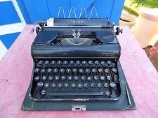 machine à écrire Olympia vintage typewriter decor loft
