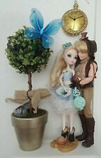 Ever After High Dolls Alistair Apple as Alice in Wonderland mad hatter Couple