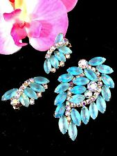 DAZZLING JULIANA D&E GOLDTONE FROSTED SKY BLUE AB RHINESTONE BROOCH EARRINGS SET