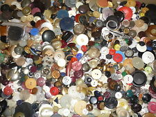 LOT 5 LBS MIXED BUTTONS ALL COLORS, DESIGNS & SIZES, VINTAGE TO MODERN # 2699.4