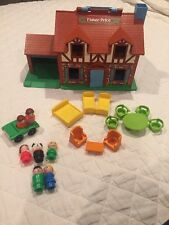 VINTAGE 1980's FISHER-PRICE PLAY FAMILY HOUSE TUDOR DOLLHOUSE NO. 952 CLEAN!