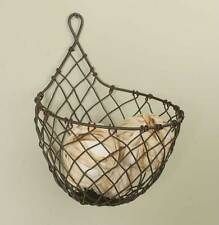 Wire Raindrop Wall Basket Green Rust (1)