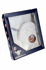 New York Islanders NHL Baby Boys Newborn Creeper & Cap Gift Set, White