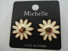 Daisy earrings white gold-tone base metal pierced ears studs posts