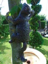 un écureuil en fonte patinée de ces couleurs, superbe statue . nouveau !