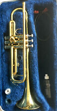 QUALITY YAMAHA YTR2335 STUDENT LEVEL Bb TRUMPET IN GOLD TONE FINISH & CARRY CASE
