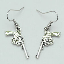 Vintage Plata Antigua Revolver Pistola Arma drop/dangle pendientes e1002a