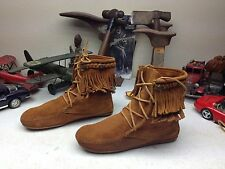 MINNETONKA MOCCASIN BROWN LEATHER FRINGE HIPPIE WINTER WALKING BOOTS 9 B