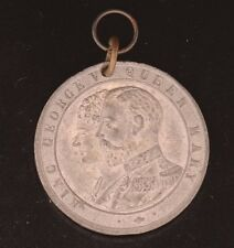 1911 KING GEORGE V AND QUEEN MARY 38 mm CORONATION MEDAL