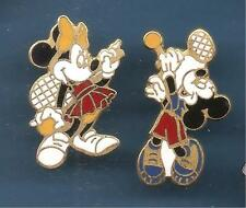Pin's pin DISNEY MICKEY ET MINNIE AU SERVICE TENNIS ( ref 018 )