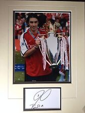 ROBERT PIRES - FORMER ARSENAL FOOTBALLER - EXCELLENT SIGNED COLOUR DISPLAY