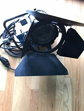 ARRI 2000 Tungsten w/ Barndoor +(4)bulbs