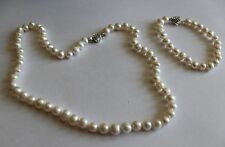 New & Boxed Zenzhu White Freshwater Pearl 3 Piece Set (T4)