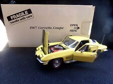 Danbury Mint 1967 Chevrolet Corvette Coupe Yellow Black With Box