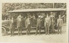 EXCELLENT PORTRAIT OF AN EARLY BUS AND TOURISTS IN SALT LAKE CITY (VINTAGE RPPC)