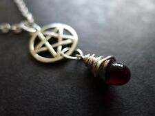 Pretty Pentacle and Deep Red Glass Fire Blood Teardrop Pendant necklace silver