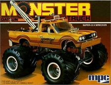 MPC 1:25 1975 Datsun Scavenger Monster Truck Plastic Model Kit MPC852