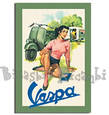 3573 CARTOLINA DA AUGURI 10X15 VESPA 125 FARO BASSO IN CAMPAGNA CON PIN UP