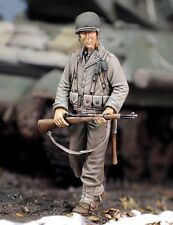 Royal Model 1/35 US Army Infantry Rifleman walking with Rifle at hand WWII 674