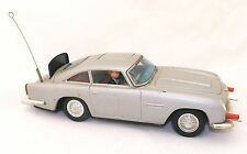 Vintage 1965 Gilbert Toys James Bond Batt-Op Aston Martin - Goldfinger