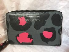 NWT Marc by Marc Jacobs Pink Green Mini Leopard Zip Wingman Iphone Case Wristlet