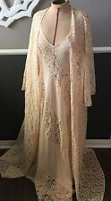 VTG OLGA PEACH Peignoir Set RARE SWIRL LACE DESIGN FULL SWEEP W/LACE ROBE S/36