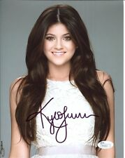 KYLIE JENNER HAND SIGNED 8x10 COLOR PHOTO      GORGEOUS REALITY STAR         JSA