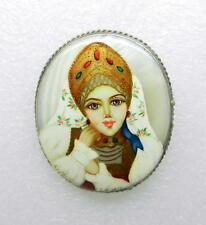 VINTAGE RUSSIAN HAND PAINTED MOTHER OF PEARL SIGNED PIN BROOCH - LB-C1230