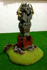 WARHAMMER ORCS AND GOBLINS SCENERY  BIG  TOTEM  PRO PAINTED