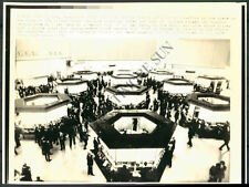 BS PHOTO bcd-390 Stock Exchange London England 1976