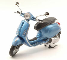 Vespa Piaggio Primavera 125 2014 Blue Metallic 1:12 Model 57553BL NEW RAY