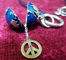 Vtg FOSSIL BLUE SILVER TONE MINI WORLD PEACE SIGN GLOBE KEY CHARM NECKLACE