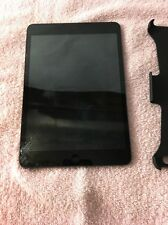 APPLE IPAD MINI FD540LL/A 16GB BLACK W/ CASE **broken screen / bad digitalized**