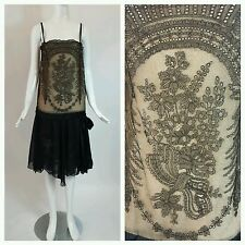 Vintage 1920's Lace Dress with a Drop Waist / flapper dress / chantilly lace