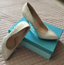 BLUE BY BETSEY JOHNSON SHINE CRYSTAL PAVE BRIDAL PUMPS SZ 9.5 W/ BOX