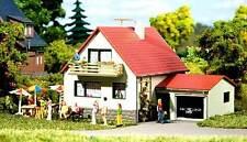 Auhagen H0, TT 12222: Casa con Garage