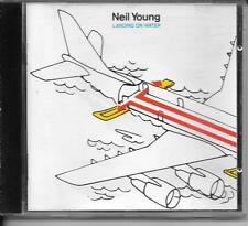 CD ALBUM 10 TITRES--NEIL YOUNG--LANDING ON WATER--1986