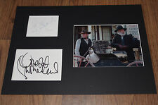 DONALD & KIEFER SUTHERLAND signed Autogramm in 25x35 cm Passepartout InPerson