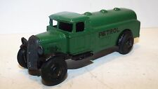 DINKY 25D SERIES PETROL TANKER GREEN ORIGINAL MODEL  (D136)