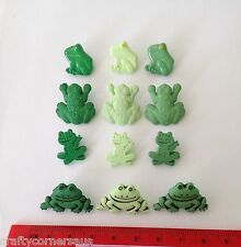 Novelty Frog buttons Light Dark  smiling frogs various sizes mod 802