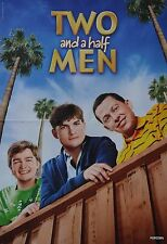TWO AND A HALF MEN - A3 Poster (42 x 28 cm) - Ashton Kutcher Clippings Sammlung