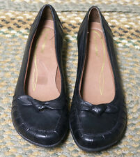 stylish Hush Puppies Women Black Leather US size 9m  ballet flats.