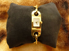 GUCCI 6100 L Series. Ladies Bracelet .Swiss Watch