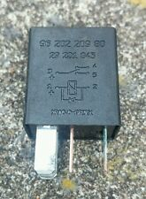 PEUGEOT 406/206/306/307/207/407 CITROEN C5/C4/C3/C2 BLACK RELAY 9620980980