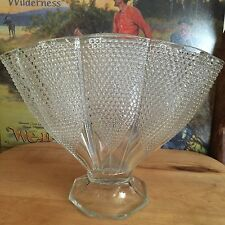 Vintage LE Smith Fan Vase Thousand Eyes Hobnail 1940s