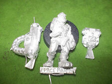 WARHAMMER40K  SPACE MARINE  SERVITOR  WITH HEAVY BOLTER  LOT A1